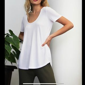 Wilfred Free | Scoop Neck T-Shirt